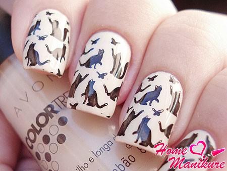 кошачий рисунок на ногтях с помощью стемпинга