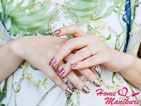 красивый и яркий nail art на ногтях