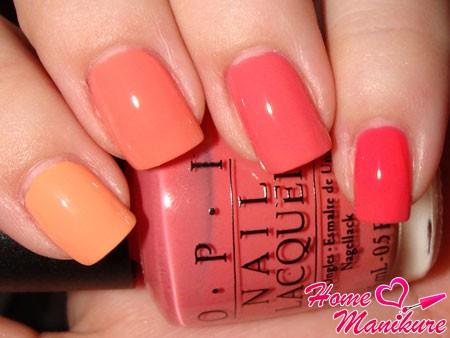 маникюр омбре в кораллово-оранжевых цветах