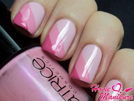 нежный и романтичный розовый маникюр