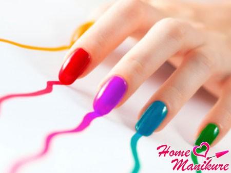 ногти в радужном стиле
