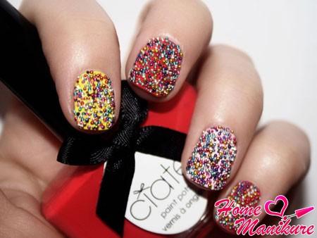 объемный дизайн ногтей с бульонками ciate