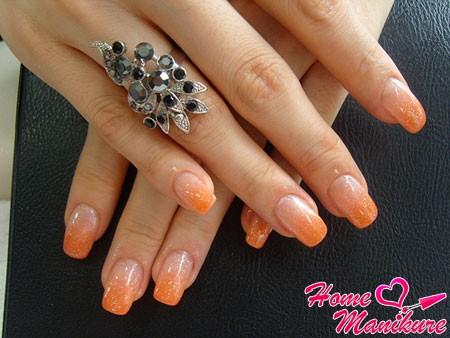 оранжевый французский маникюр