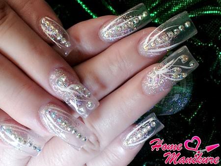 прозрачные нарощенные ногти с декором