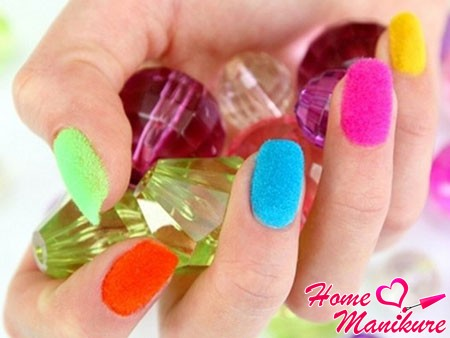разноцветные бархатные ногти