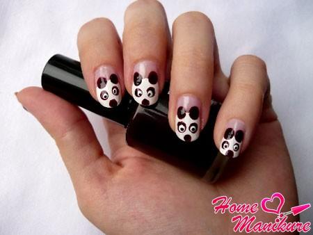 рисунок панды на ногтях