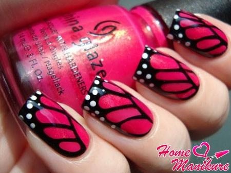 шикарный черно-розовый дизайн ногтей с белыми точками