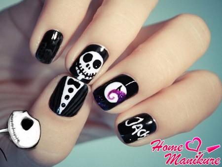 скелет в смокинге на ногтях