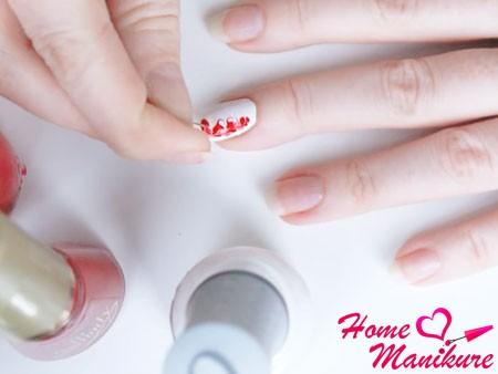 создание рисунка на ногте с помощью иголки
