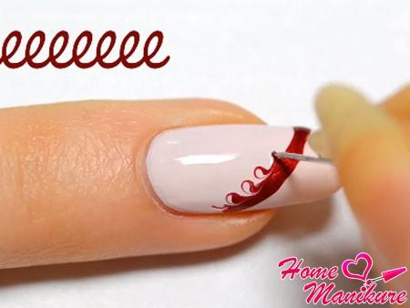 спиралевидные движения к основанию ногтя