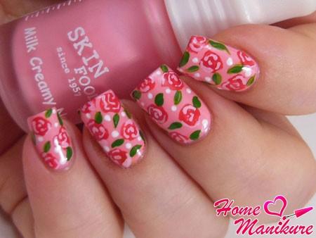 великолепный нейл-арт с розами