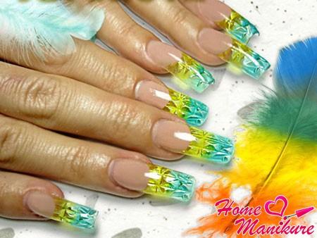 яркий хрустальный дизайн ногтей