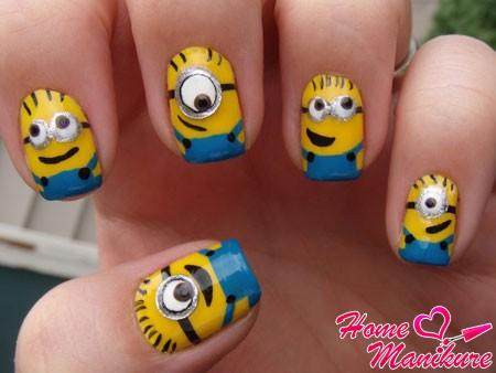 забавный дизайн ногтей с миньонами