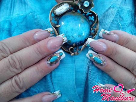 Дизайн на ногти жидкие камни