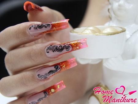 арочные ногти с роскошным дизайном