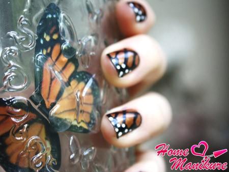 имитация крыльев бабочки в маникюре