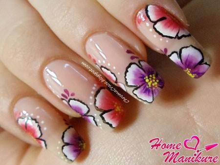 красивые длинные ногти с цветочным рисунком