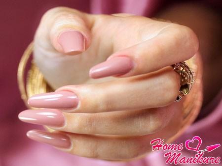 красивые смоделированные ногти