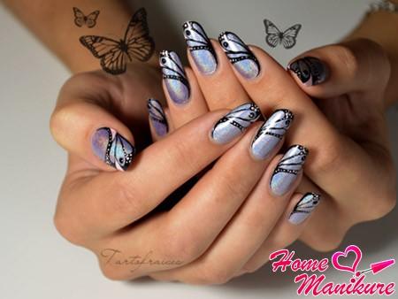 нейл-арт с бабочками от великолепной Tartofraises