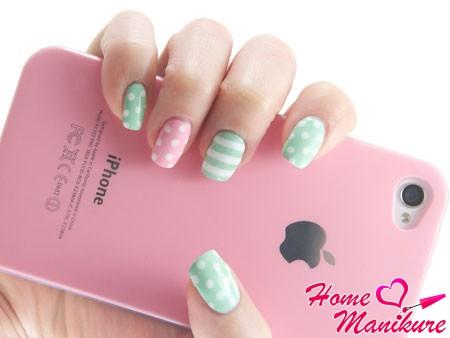 пастельный дизайн ногтей на 8 марта