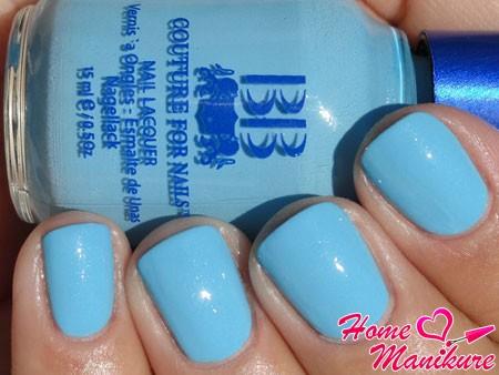 пастельный голубой лак для ногтей