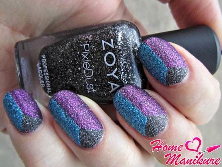 песочный триколор на ногтях от Zoya