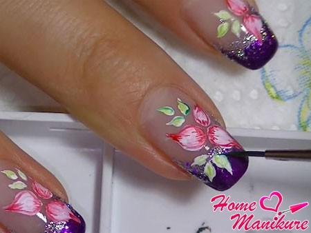 прорисовка цветка и лепестков акварельными красками