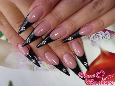 роскошный черный френч на длинных нарощенных ногтях