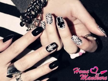 стильные черно-белые рисунки на ногтях