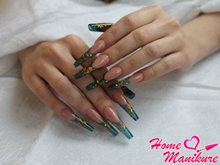 витражные нарощенные ногти френч