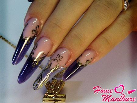 витражные ногти с золотым литьем
