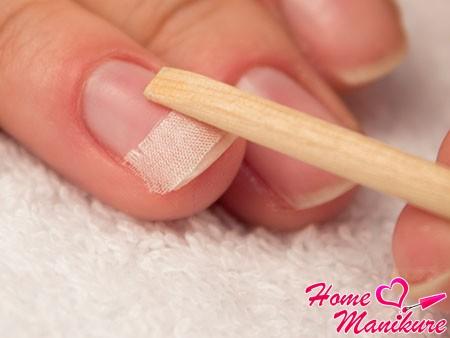 закрепление шелка для ремонта ногтей