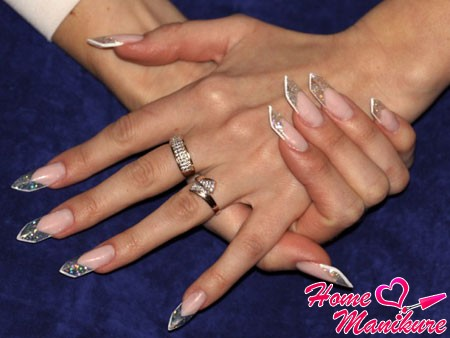 Age shiny nails short length