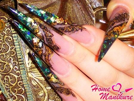 длинные и острые ногти стилеты со слюдой