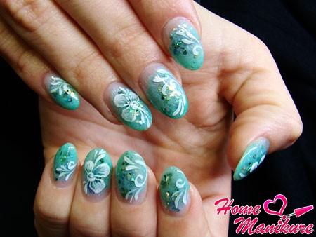элегантные акриловые ногти небольшой длины