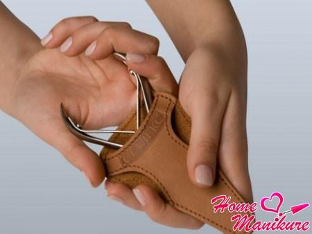 хранение кусачек для ногтей