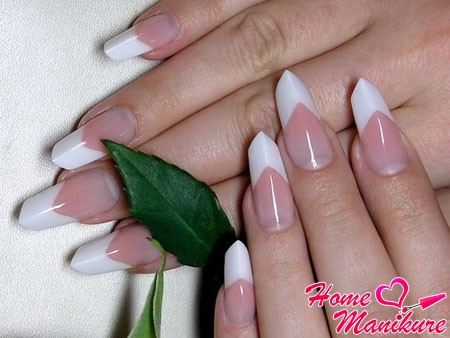 Classic french nails on Age