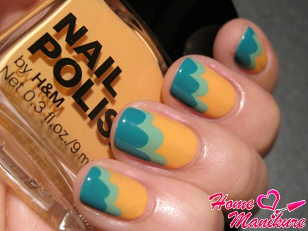 cool manicure for the sea and the beach