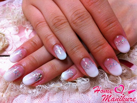 красивые нарощенные ногти овальной формы