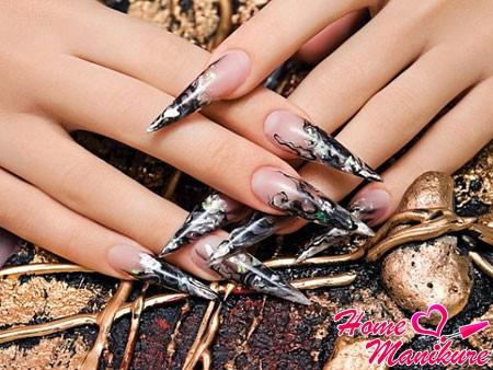 красивые острые ногти в форме клинка