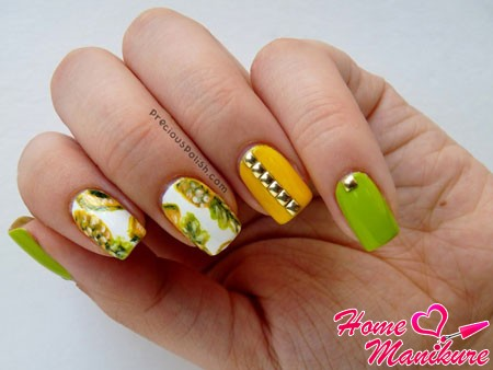 square nails with fruit pictures