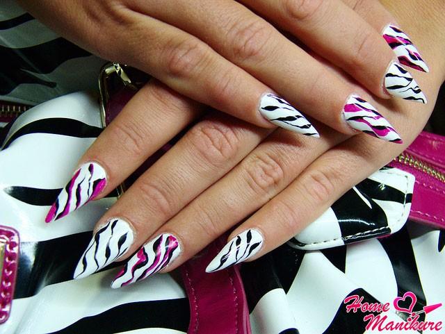 наращивание ногтей акрилом в стиле зебры