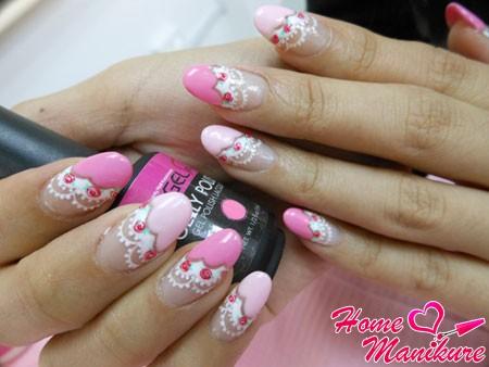 нежный дизайн овальных ногтей