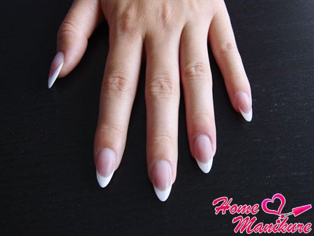 correct form of nail almonds