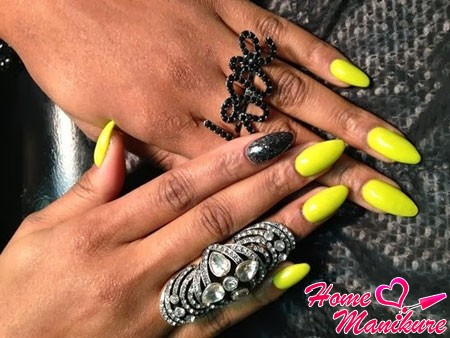 juicy yellow nails almonds