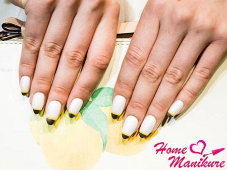 современная интерпретация френча на ногтях