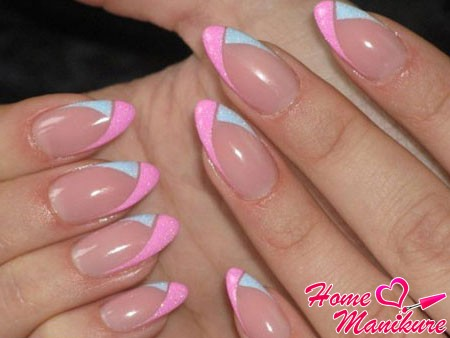 stylish design almond-shaped nails