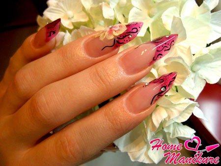subtle and delicate nails Edge