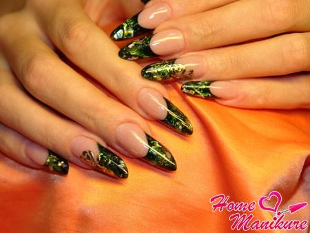 великолепный маникюр на ногтях в форме пайп