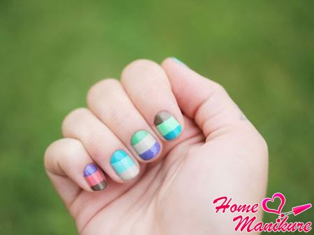 spring and summer design on nails round